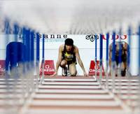 Liu_xiang_through_hurdles